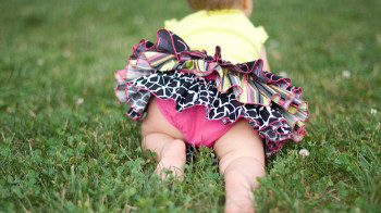 ruffled-diaper-cover-tutorial-2_ht.jpg