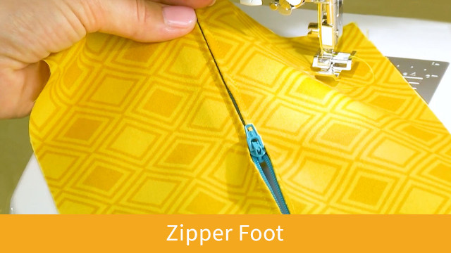 Brilliant_Zipper-Foot.jpg