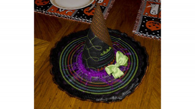 Witchs_Hat_Centerpiece_p.jpg