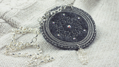 Frosted_Snowflake_Embroidered_Necklace-.jpg