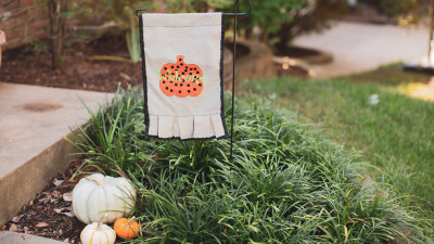 Pumpkin_Applique_Garden_Flag.jpg