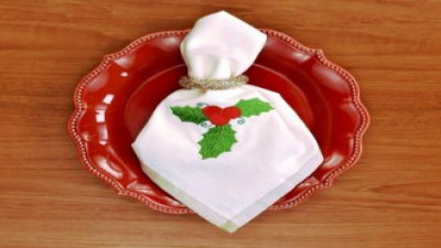 Embroidered Holiday Napkin.JPG