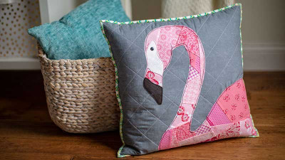 Scrappy-Flamingo-Applique-Pillow.jpg