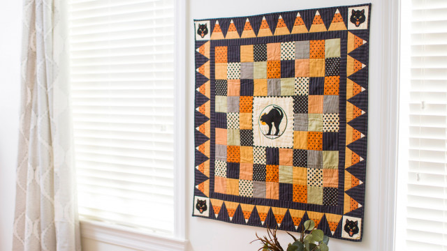 By_the_Light_of_the_Moon_Halloween_Quilt.jpg