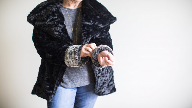 SERGER_LS_FUZZY_COAT_13.jpg