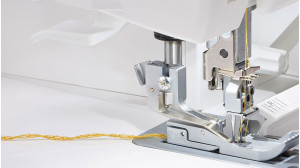 Accolade_BLS8_Serger_Cover-Stitch-Chaining-Off.jpg