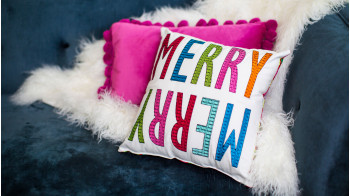 Merry_Merry_Pillow.jpg