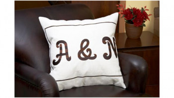 Jumbo_Monogram_Pillow_Set_p.jpg