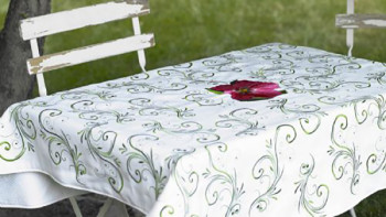 Hibiscus_Table_Topper_p.jpg